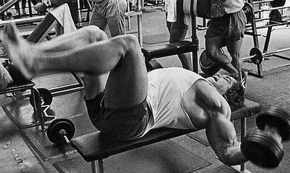 Arnold écarté couché